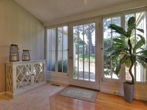 Pacific grove Ocean View Cottage entry