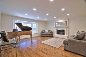 126 Littlefield living room