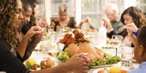 Thanksgiving, Family, praying