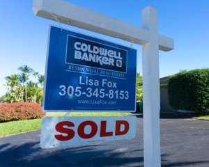 Lisa Fox CB Sold Sign