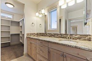 Heritage Grove Meridian homes for sale - Bathroom