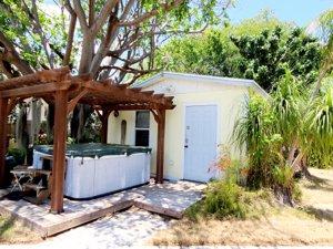 12 Silver Springs Key Largo studio