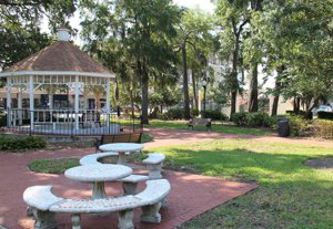 Park area in College Park Florida