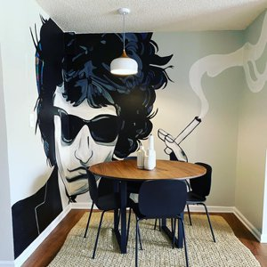 Combine dining  and art near Potomac real estate