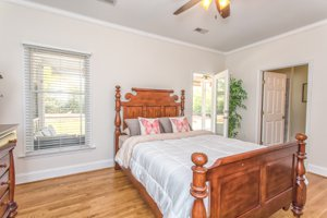 Master Bedroom 10176 Stoneybrook Ct HArdwood floors