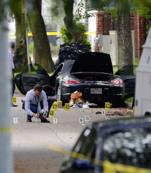 Crime Scene processed, West U Shooting, 9-26-2016, Photo by Mark Mulligan / Houston Chronicle