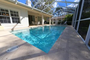 2963 Sandringham Place in Sarasota - A wonderful pool home in The Meadows