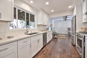 2852 Elk Run Rod Pebble Beach, CA 93953 Kitchen