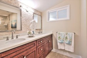 2852 Elk Run Road Pebble Beach, CA 93953 Master Bath
