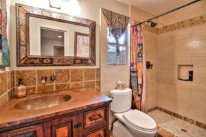 3071 Strawberry Hill Bathroom