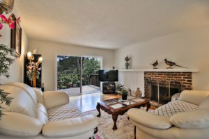 551 Dry Creek Road Monterey, CA living room picture