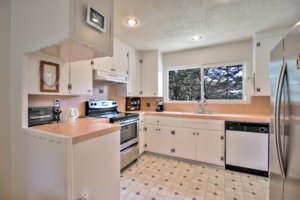 551 Dry Creek Road Monterey, CA kitchen picture