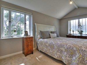 PG Ocean View Cottage bedroom