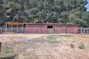 73 Paseo Hermoso Barn picture