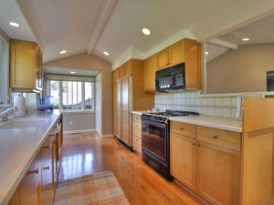 Pacific Grove Ocean View Cottage kitchen