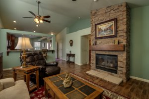 Resale home in Sunriver