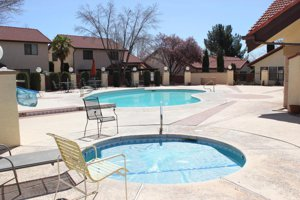 Condo with a pool in St George Utah