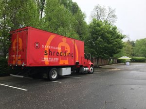 Leesburg Communtiy Shred Event