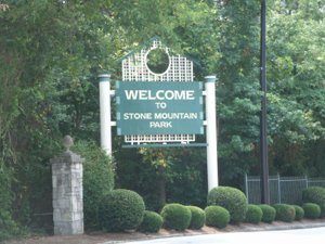 Picture of the entrance to Stone Mountain Park