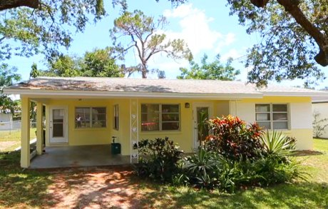 2712 Nassau St in Sarasota is now for sale with Sarasota Real Estate Group
