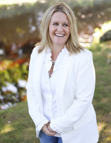 Broker Patricia McArdle