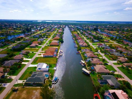 Cape Coral Real Estate Listings Midpoint Realty Cape Coral Waterways