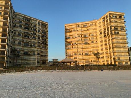 summerwinds Condos for sale