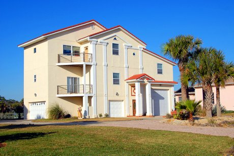 """Photograph of a luxury beach home in Florida to illustrate, """"Why Buy A Luxury Home In Florida?"""""""