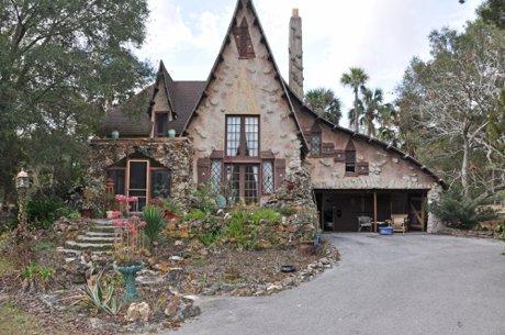 Plymouthonian House in Sorrento Florida