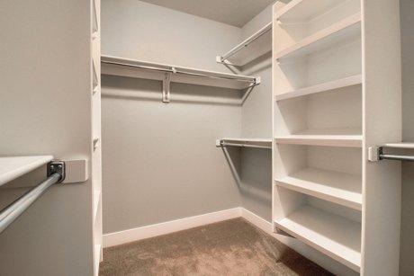 5020 Stuart Street closet