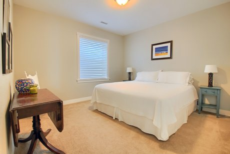 5020 Stuart #4 Bedroom