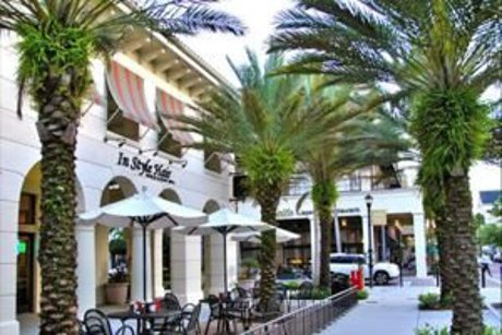 Baldwin Park shopping and dining
