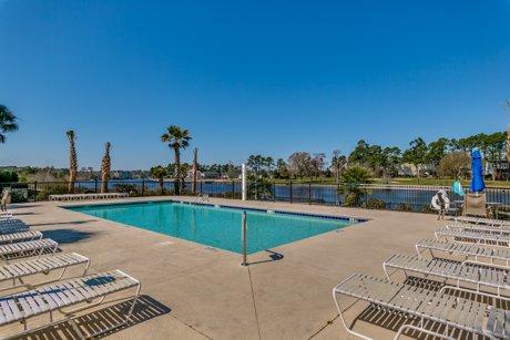 Lauderdale Bay Pool