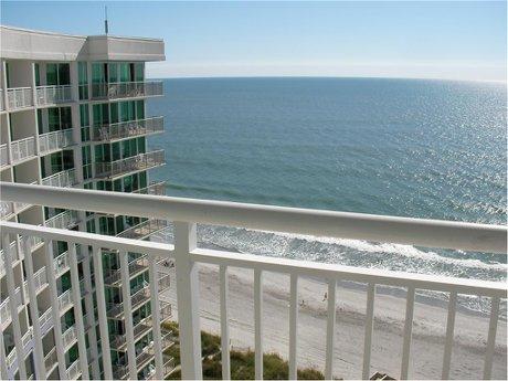 Avista Oceanfront Resort