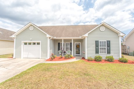Front of House 114 Tylers Cove Way Winnabow NC Great Deal