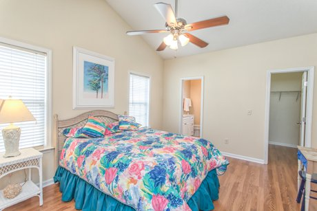 Vaulted ceiling master bedroom 114 tylers cove way great deal winnabow