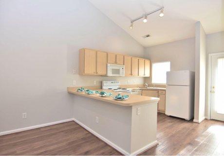Kitchen and Breakfast Bar 226 Hibiscus Way Wilmington NC