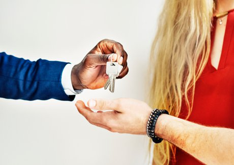 Living Off Campus UNCW Things to Know Handing Over the Keys to a Rental