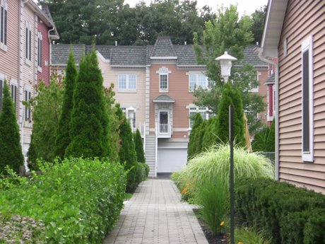 The Grounds are really beautifully kept Versailles at Nanuet Townhouses and Condos in Rockland County NY 10954