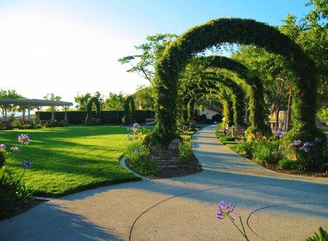 Neighborhood park in Pacific Crest in Saugus