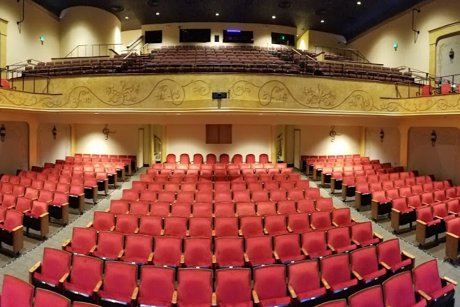 Mona Leonard Realtor Reviews The Lyric Theatre