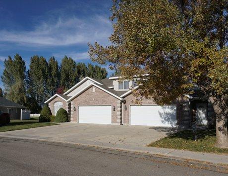 Vista Royal homes in Salem Utah