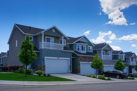 Crest Haven townhomes in Lehi