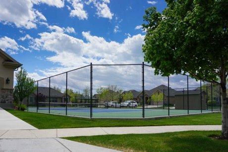 Da Vinci Place tennis court Orem Utah