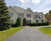 10 Cherry Hill Circle, Hawthorn Woods image