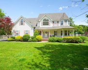 23 Old Neck  Court, Manorville image