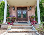 117 Parkway Dr, Roslyn Heights image