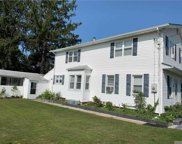 17 Pineview  Blvd, Central Islip image