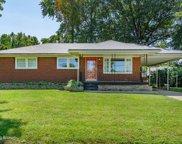 6014 Middlerose Cir, Louisville image