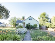 372 A  ST, Creswell image